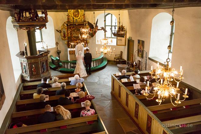 Bröllop vigsel Kållereds gamla medeltids kyrka