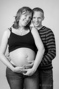 Pappan får också vara med under gravidfotograferingen