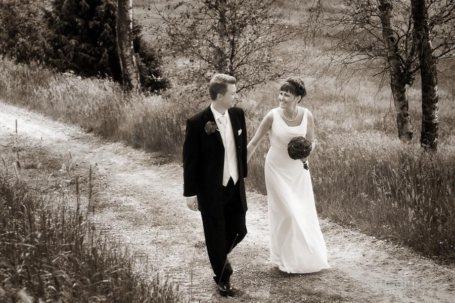 Brudparet får en stund för sig själva innan själva bröllopsfotograferingen
